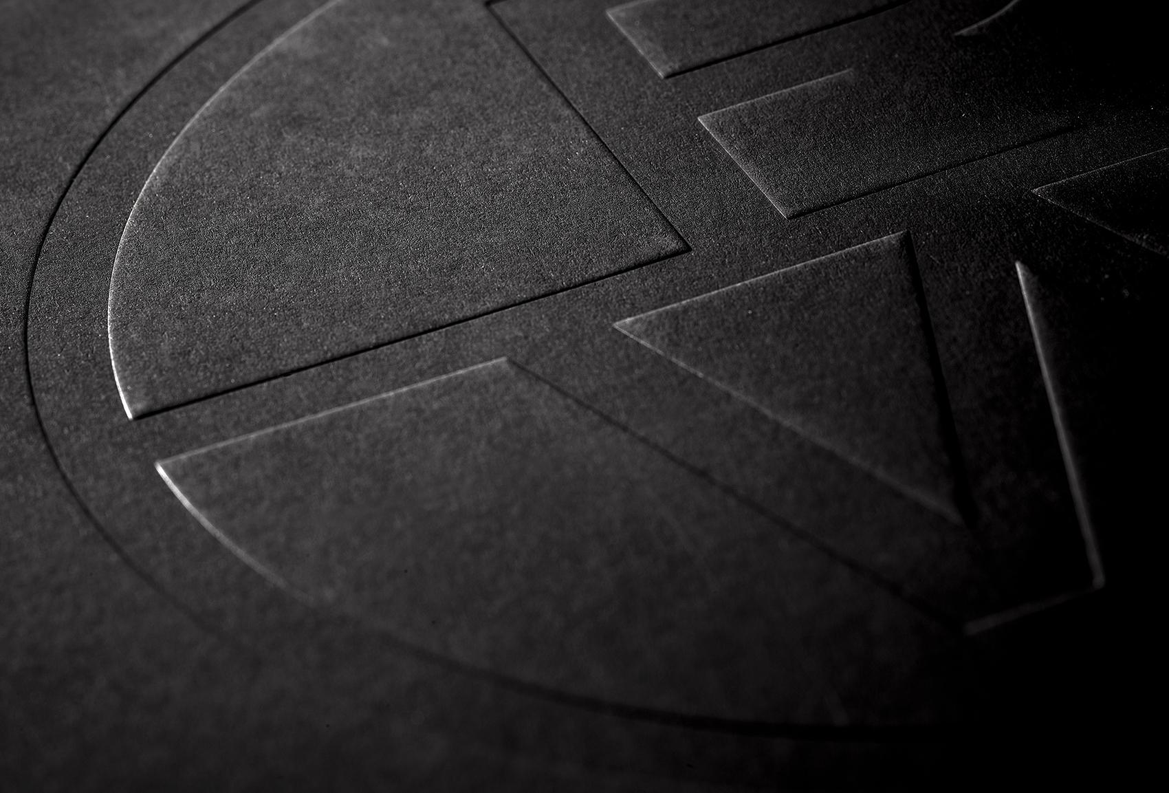 Tipografia offset specializzata in laminazione a freddo - rilievo a secco